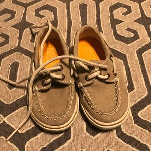 Size 5 toddler sperrys